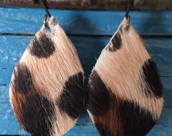 Leather teardrop earrings-teardrop earrings-leopard print-leather earrings-hand made