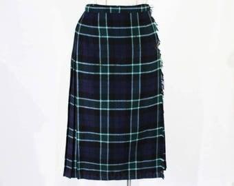 Size 10 Kilt Skirt - Beautiful Navy & Green Plaid Pleated Skirt - Fall Autumn Scottish Classic Tartan with Leather Buckle - Waist 27 - 49111