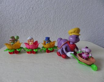 Berry Busy Bug Train with Four Strawberry Shortcake Mini Figures, 1981