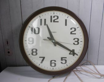 Timex Industrial School House Clock, Working