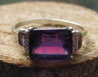Cute Little Sterling Silver Women's Ring Size 7 Lab Created Amethyst Gemstone