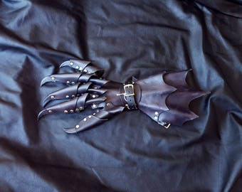 Black Claw Gauntlet Glove, Size Large, Right Hand- Dragon Armor, Leather Claw