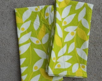 dinner cloth napkins- lime and yellow vines