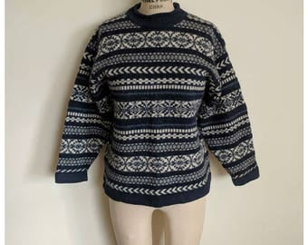 Vintage 90s navy blue striped sweater