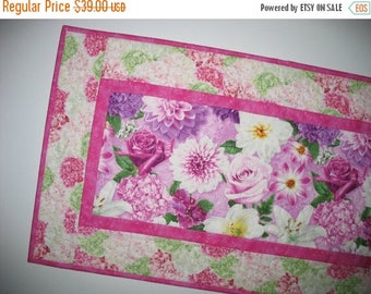Sale Christmas in July Floral Table Runner, Spring, quilted table runner, handmade, Summer, table linens, fabric from Wilmington Prints