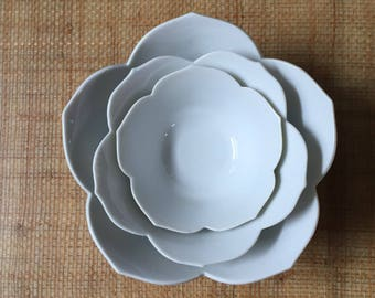 vintage nesting white lotus flower bowls // stacking ceramic bowls // set of 3