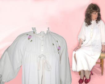 Extravagant Lingerie for Wife, Bridal Dressing Gown, Womens Vintage Lingerie, 50s Pinup Negligee, Something Old, Chiffon Overlay Sleeves