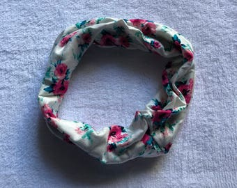 White and Pink Floral Print Baby or Toddler Infinity Scarf Infant to 6 years Single Loop Drool Bib Catcher Style Girls flowers shabby chic