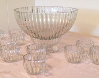 Very Old Rare Party Punch Bowl Set With Stand. All 10 Cups Fit Into Punch bowl Easy Storage. Beautiful Elegant Design. Bamboo