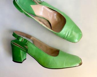 AUG SALE - Granny Smothn Green 1960s Vintage SlingbBack Heels // Size 8!