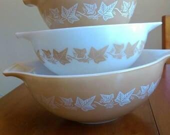 Pyrex Sandalwood mixing bowl set. 444 443 442 441