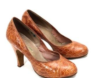 SAVE 20% VTG LT Brown Alligator Bump Toe High Heel Pumps Size 4B 1950s Great Shape