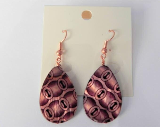 Geometric print shell teardrop earrings