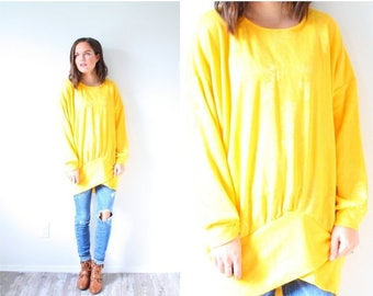 30% OFF PRESIDENTS SALE Vintage yellow long sleeve shirt // oversized sweater // winter spring sweater // yellow jumper // light yellow //fl