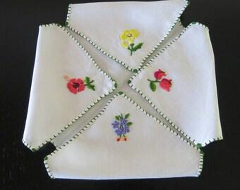 Bun Warmer White Irish Linen Embroidered Colored Flowers Edged Green Blanket Stitching 942b