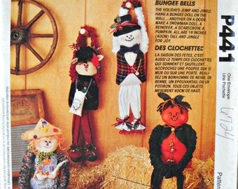 McCall's Crafts P441, Bungee Bells Holiday Dolls pattern, Factory Folded Uncut, Vintage 1993
