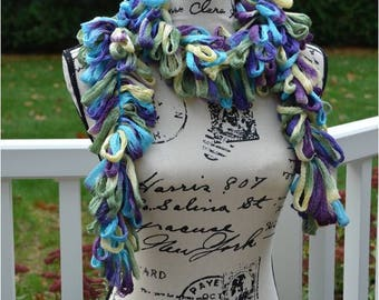 Simple Multi-Colored Loopy Scarf