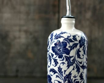 Blue flowers - Olive oil bottle - Bouteille d'huile d'olive - white and blue flowers -