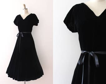 vintage 1950s dress // 50s black velvet evening dress