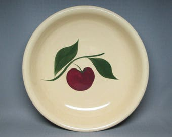 Watt Pottery spaghetti bowl , number 39 , apple with two leaves , number 39