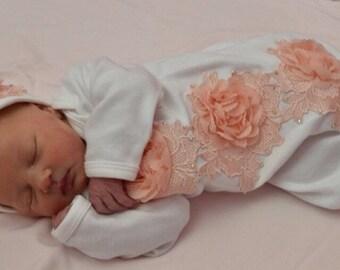 Newborn Girl Take Home Outfit, Peach and White Baby Gown & Beanie Set, Newborn Girl Gown, Peach Lace Baby Gown, Newborn Coming Home Outfit