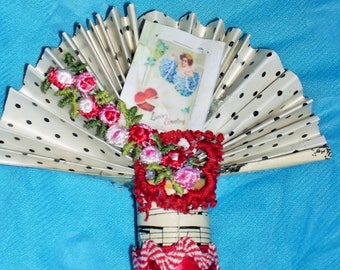 Valentine's Day Vintage Cupid Cherub Red Pink Rose Small Party Decoration
