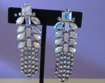 Vintage LONG Weiss Aurora Rhinestone Clip-on Earrings