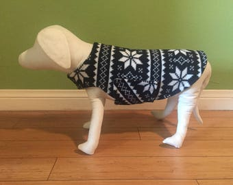 Fleece Dog Coat, Small, Black & White Intarsia Style Nordic Star Print Fleece with Hunter Green Fleece Lining