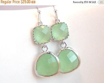 SALE Green Earrings, Peridot Earrings, Apple Green Earrings, Silver Light Green Mint, Wedding Jewelry, Bridesmaid Earrings, Bridesmaid Gift
