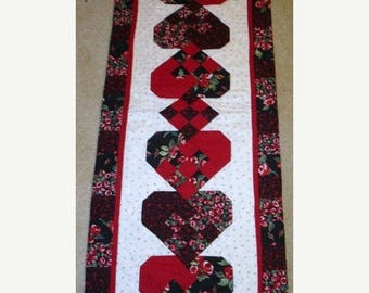 20 off thru Jan 21 WOVEN HEARTS for LOVE Valentines quilted table runner pattern Winter February Year one