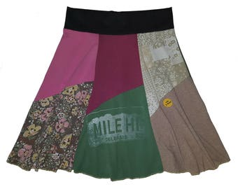 T-Shirt Skirt Size 16 18 Plus Size XL 1X Hippie Skirt Women's upcycled clothing Repurposed Skirt Twinkle Skirts from Twinklewear