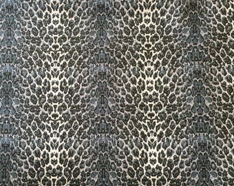 Fabric freedom Grey leopard print cotton fabric by the half metre