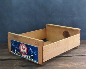 Vintage Wood Produce Crate,  Wooden Crate Organizer, Red Rooster Farm Crate, Farmhouse Decor
