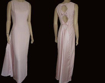 UNWORN 90s Alyce Designs FORMAL Bust 37 Crepe & Satin Lite Pink -Flowing Train - Prom - Bride's Maid - Union Made in America