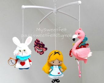 Ready to go Baby felt mobile Alice in wonderland/ Cheshire cat / White rabbit / flamingo / Alice/ nursery / baby shower/ chambre bébé /