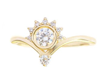 Unique Crown Diamond Engagement Ring, 0.4 CT Diamond Ring, Crown Engagement Ring, Valentia Engagement Ring, 14K Yellow Gold Ring Jewelry