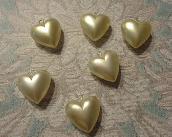 Vingtage Plastic Faux Pearl Heart Charm/Drop, Cream (6)