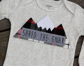 Shred the Gnar Baby Bodysuit, Powder Chaser Mountain Bodysuit, Baby Mountain Shirt, Colorado Baby, Snowboarding Baby, Adventure Baby