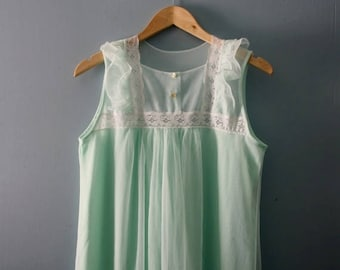 ON SALE Vintage 1960s nightgown by Lov'Lee / Minty green layered nylon nightdress with lace / Sleevelesss gown /Union made in Canada /medium