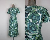 1950's Green Rose Print Cotton Wiggle Dress / Size Small Medium