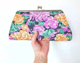 Floral Pattern, Framed Clutch, Vintage Fabric, MetalFrame, Purse, Evening Bag, Vintage Style Clutch, Kisslock