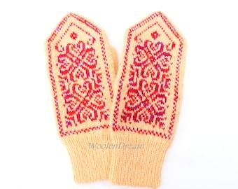 Merino wool mittens,wool mittens,warm winter glove,Scandinavian arm warmers,fashion accessory,snowflake women mittens,Christmas gift for Her