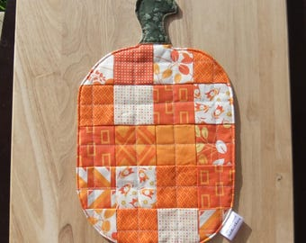 Patchwork Quilted Mug Rug Pumpkin Party favors Patchwork quilted coaster snack mat, Autumn place mat Thanksgiving mini quilt table topper