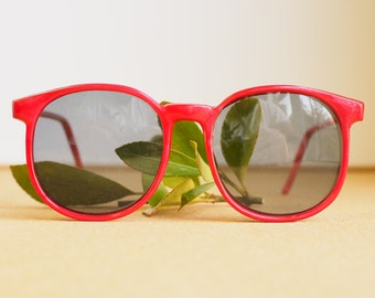 Vintage Sunglasses 1980's New old Stock/Vintage/80's Glamour By Sunbrella Made In Korea By Cherry Red Toned