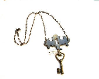Sale Skeleton Key Necklace - Steampunk Necklace - Skeleton Key Jewelry