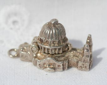Silver Vintage 1960s Hinged Opening St Pauls Cathedral London Charm