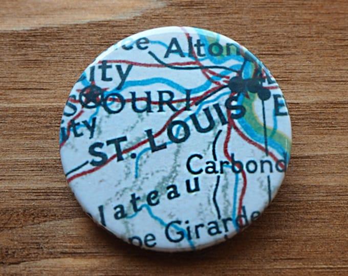 Pinback Button, St. Louis, Ø 1.5 Inch Badge, Atlas, Travel, vintage, fun, typography, whimsical
