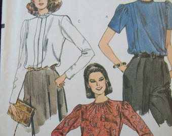 Loose-Fit, Pullover Blouse 1970s Vogue Pattern 8137 Uncut Size 12