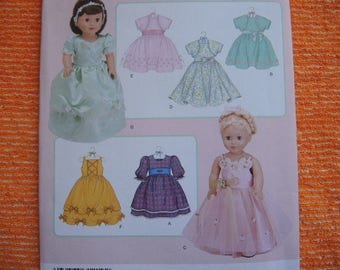 """2000s sewing pattern Simplicity 3547 Elaine Heigl designs Doll clothes dresses for 18"""" dolls UNCUT"""
