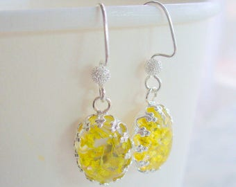 Oval Crown, Resin Yellow Dry Flower Drop Earrings, Yellow Jewelry, Silver Jewelry, Dangle Earring, Dried Flower Earring, Christmas Gifts